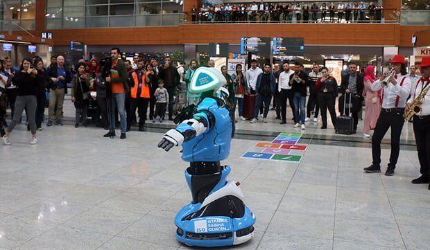 Sabiha Gökçen Havalimanı'nda Görev Alacak Robot Aerobot