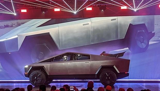 Tesla Cybertruck Fiyatı ve Özellikleri Açıklandı